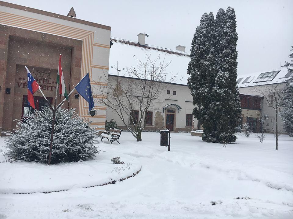Behavazva télen a Vécsecityben
