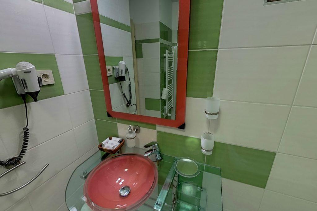 City apartman fürdője modern berendezéssel