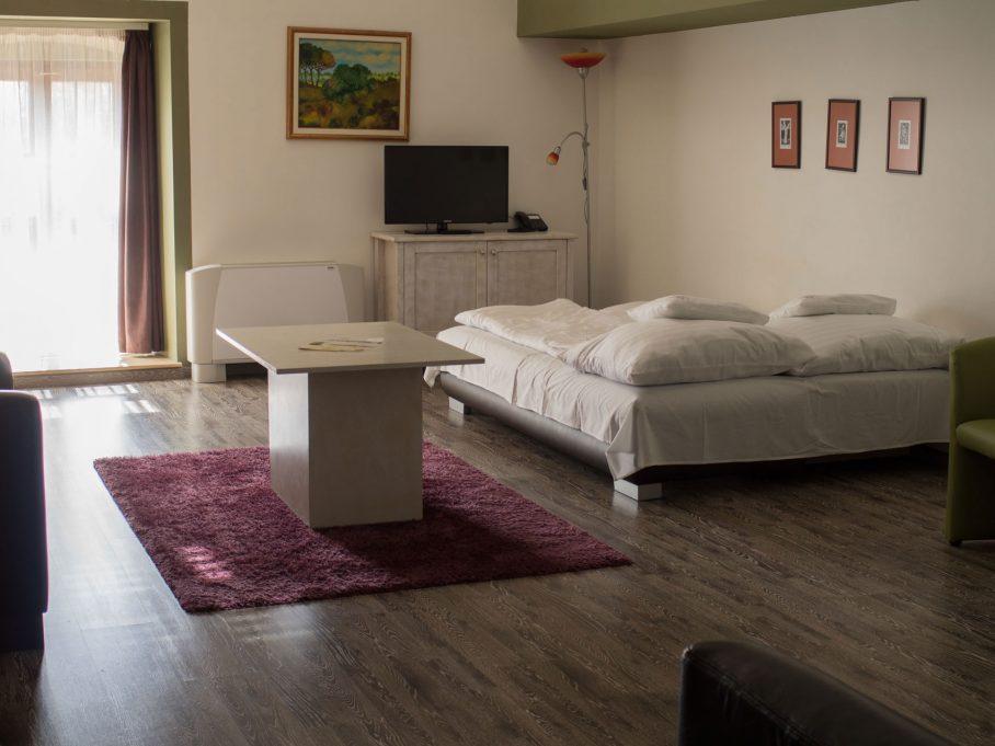 City apartman nappali kihúzható kanapéval
