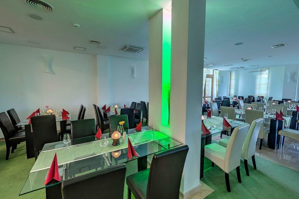 Hotel Vécsecity étterem céges vacsorákhoz, családi rendezvényekhez