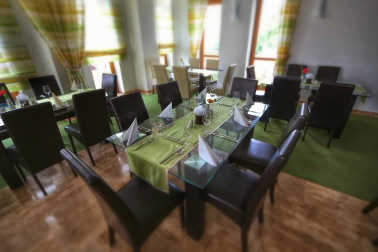 """""""Debrecen"""" étterem Hernádvécsén a Vécsecityben"""
