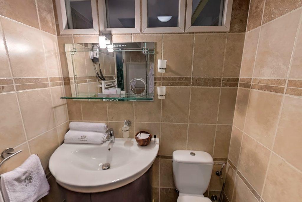 Kastély egyágyas fürdőszoba