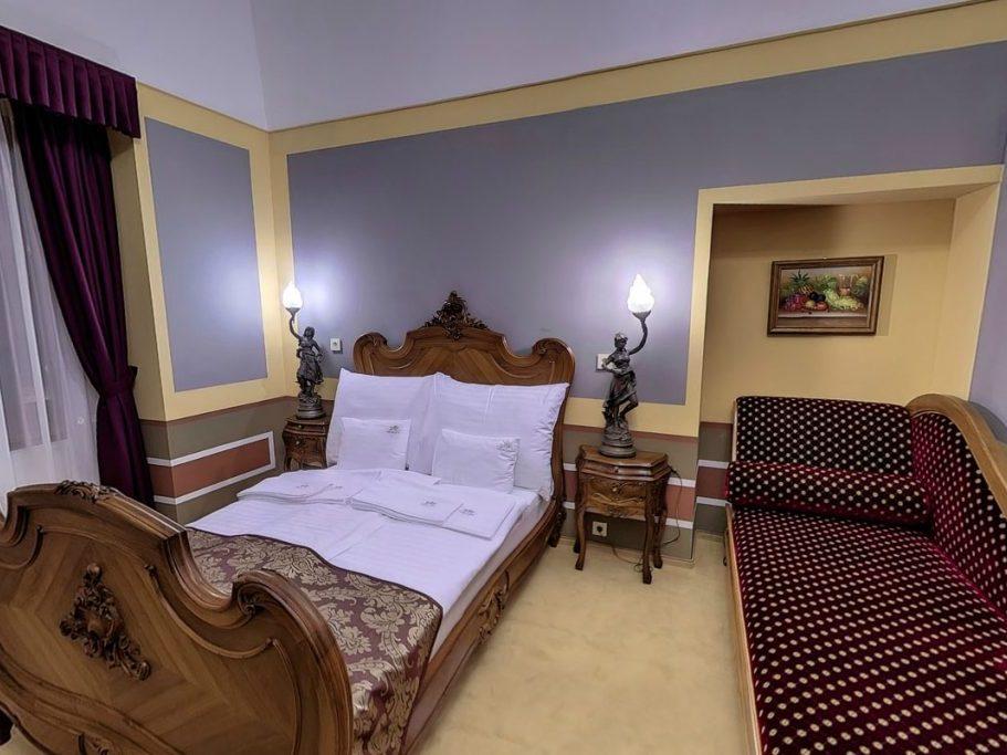 Kastély lakosztály kanapéval akár 3 fő részére
