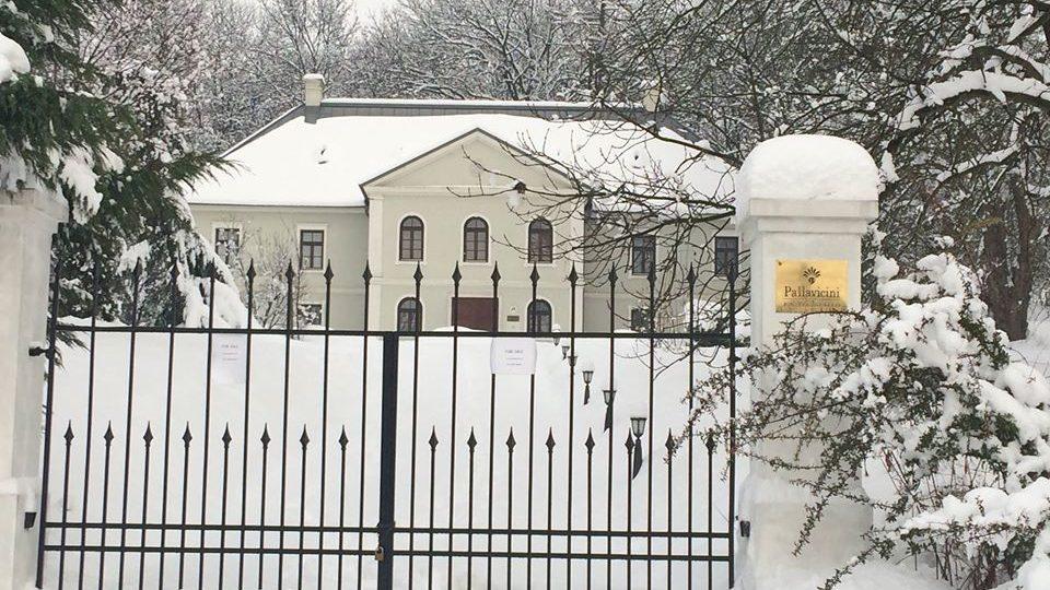 A szomszédos Pallavicini kastély