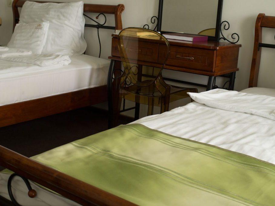 Zöld ház amerikai szoba két franciaággyal